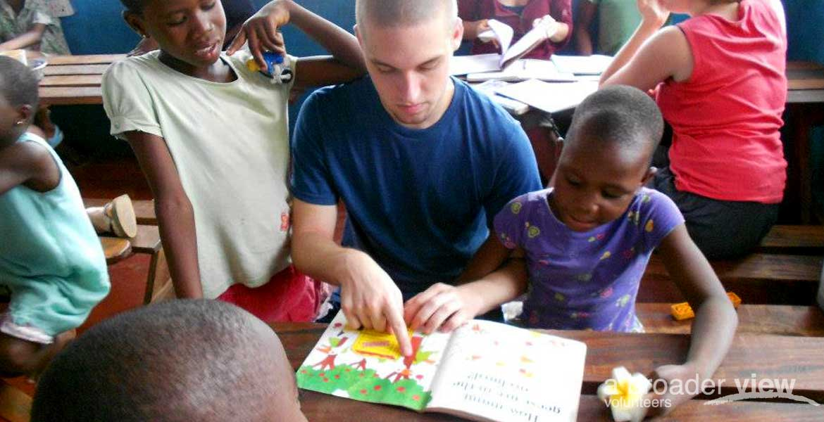 volunteer teaching program