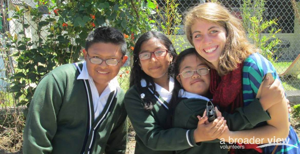 Voluneer in Ecuador Quito North: English Teachinq Program