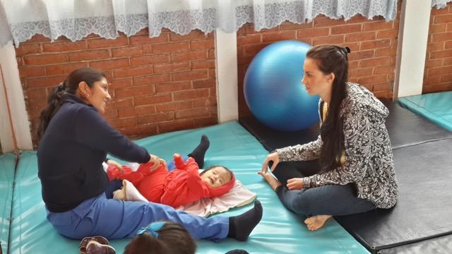 Hannah Hinrichsen Volunteer In Guatemala Elderly Women S Home 01