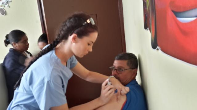 Hannah Hinrichsen Volunteer In Guatemala Elderly Women S Home 02