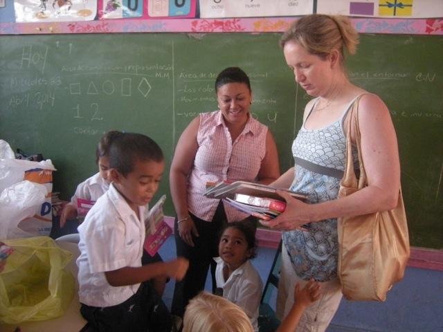 Jennifer Volunteer In La Ceiba Honduras 04