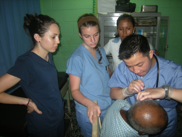 Review Lauren Fuentes Volunteer La Ceiba Honduras 01