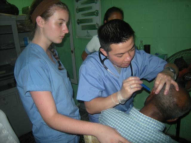 Review Tho Vu Volunteer in La Ceiba, Honduras