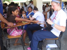 Review Robin Shumaker Volunteer in La Ceiba, Honduras