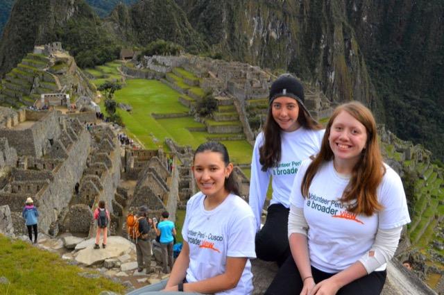 Review Chelse Volunteer Cusco Peru 03