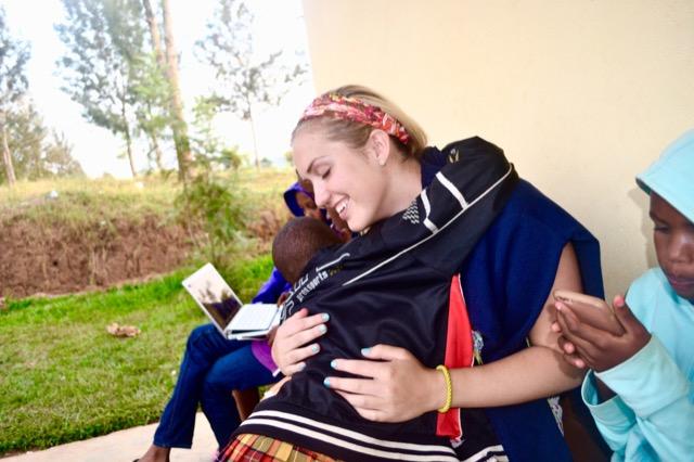 Rereview Emily Volunteer Rwandaview Matthew Volunteer La Ceiba Honduras 02