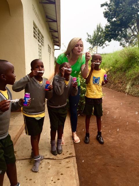 Rereview Emily Volunteer Rwandaview Matthew Volunteer La Ceiba Honduras 03
