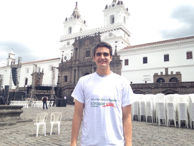 Review Lucas Volunteer Quito Ecuador 01