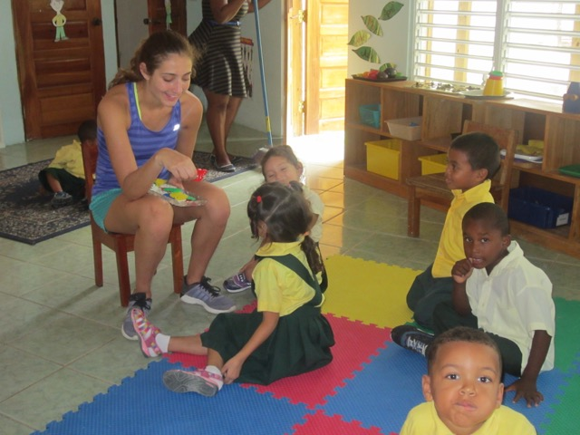 Review Devyn Edelstein Volunteer Belize Orphanage 02