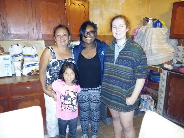 Review Journey White Volunteer in Guatemala Quetzaltenango