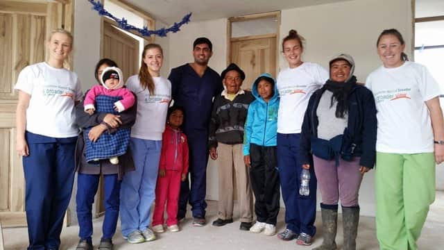 Review April Miller Volunteer in ECUADOR Quito Dental program.
