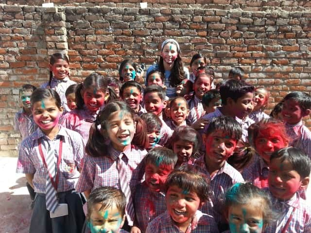 Review Grace Toll Volunteer in India Jaipur at the Elephant and teaching program