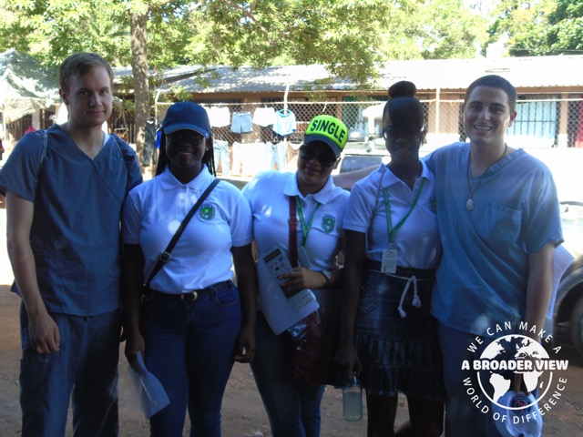Review Adam Grobart Volunteer in Honduras La Ceiba at the Dental program
