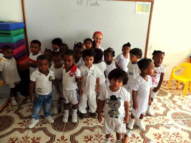 Review Elizabeth Halley-Stott & Tessa Duff (UK) Volunteers in Colombia Cartagena Child Care