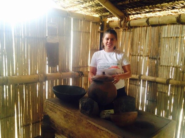 Review Karen Sanchez Volunteer in Ecuador Quito at the teaching/community center program