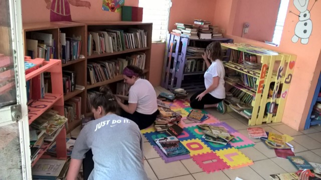 Review Volunteer Christina Sinak Belize orphanage program