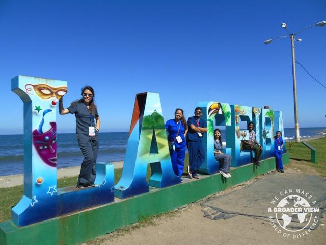 Review Volunteer Jasmine Carino Honduras La Ceiba PreMedical Program