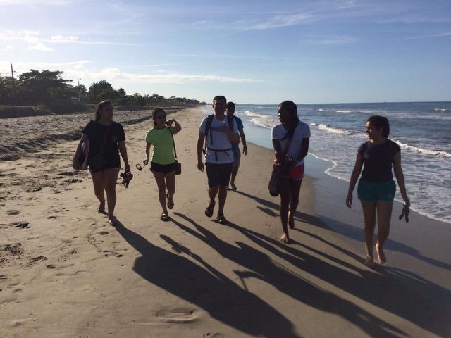 Review Volunteer Linh Tran Honduras La Ceiba Premedical program