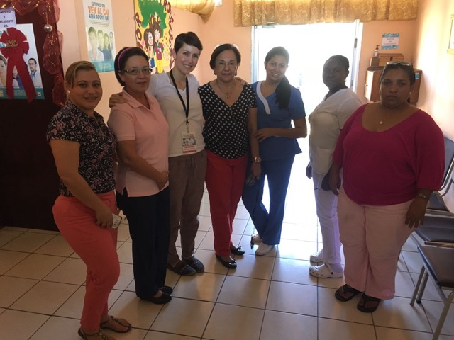 Review Volunteer Ana Gomez in Honduras La Ceiba at the Medical program