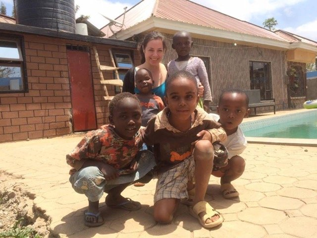 Review Volunteer Rachel Wright in Tanzania Arusha at the medical and orphanage program.