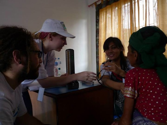 kelsey volunteer in nepal-02