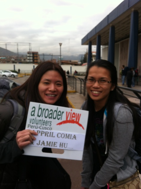 april-volunteer-cusco-01