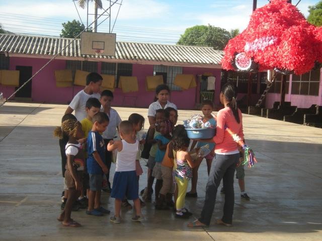 erika-volunteer-la-ceiba-honduras-05