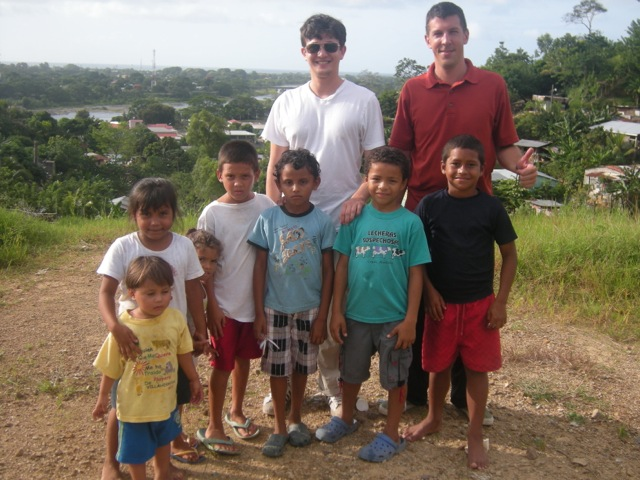 robert-volunteer-la-ceiba-honduras-01