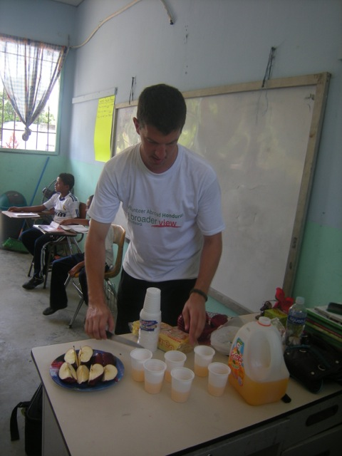 robert-volunteer-la-ceiba-honduras-03