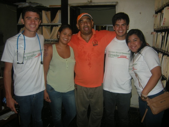 robert-volunteer-la-ceiba-honduras-04
