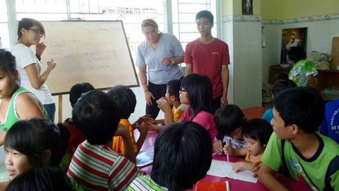 Volunteer in vietnam